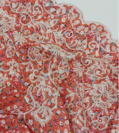 Tela de algodón con bordado...